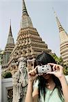 Thai woman taking pictures, Wat Poo, Bangkok, Thailand, Southeast Asia, Asia