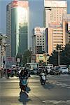 Circulation tôt le matin, Kunming, Yunnan, Chine, Asie