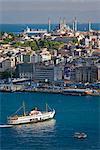 Élevé vue sur le Bosphore et Sultanahmet de la tour de Galata, Istanbul, Turquie, Europe