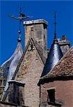 Aynay-le-Vieil - détail de tourelles de château, Berry.