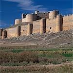 Berlanga de Duero, à Soria, Castille, Espagne. Garder avec dates de tours rondes bombé du XVIème siècle.
