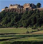 Château de Stirling, en Écosse. Bâtiments existants construits entre 1496-1583. Défenses extérieures de 1711-1714.