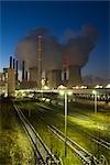 Centrale électrique à charbon en hiver, Neurath, Rhénanie du Nord-Westphalie, Allemagne