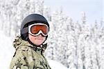 Kleiner Junge Snowboarden Snoqualmie Pass, Washington, USA