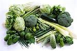 Hood von frischem Gemüse im Studio