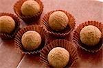 Schokolade Trüffel am Tisch
