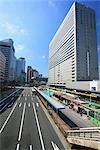 Vue de l'arrêt de Bus et l'aérogare d'Osaka au Japon