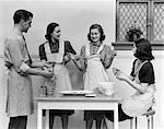 ANNÉES 1930 1940 FEMMES 1 HOMME TABLIERS DE CUISINE TIRE TIRE