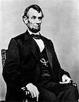 ABRAHAM LINCOLN 16. PRÄSIDENT DER VEREINIGTEN STAATEN WÄHREND DES BÜRGERKRIEGES 1861-1865 PORTRÄT SITZEND CA. 1864