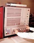 ANNÉES 1960 IBM SYSTÈME 360 ORDINATEUR INFORMATIQUE PANNEAU MAINS