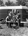 1930s RETRO CAMPING TRAILER COUPLES MEN WOMEN OUTDOORS