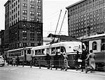 1930s LINE MODERN TROLLEY BUS CARS MEN WOMEN COMMUTERS CITY TRANSPORTATION DAYTON OHIO