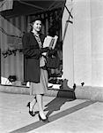 1940s WOMAN LADY HIGH HEELS WINDOW SHOPPING