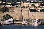 Îles de murs de la vieille ville, du port de Rhodes, Dodécanèse, Grèce, Europe