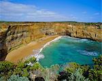 Plage et les falaises, la Great Ocean Road, Victoria, Australie