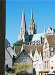 Flèches de la cathédrale de Notre Dame, patrimoine mondial de l'UNESCO et vieille ville, Chartres, Centre Val de Loire, France, Europe