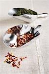 Les flocons de piment et de l'origan