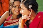 deux femmes en saris