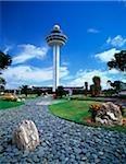 Jardin de Singapour, Changi Airport, avec la tour de contrôle