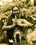 Danseuse balinaise de Bali, en Indonésie, en costume traditionnel