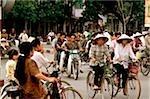 Vietnam, Hanoi, circulation sur les rues