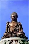 Chine, Hong Kong, Statue de Bouddha au monastère de Po Lin