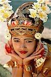 Danseuse balinaise Young Indonésie, Bali, en costume de legong