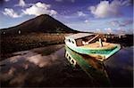 Bateau de pêche en Indonésie, les îles aux épices, Banda Naira