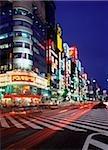 Japan, Tokyo, Shinjuku, Busy junction at dusk