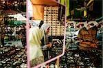 Malaisie, Kuala Lumpur, les femmes musulmanes, signifiées par l'utilisation d'un tudong ou un foulard sur la tête.