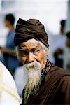 Myanmar (Birmanie), Yangon (Rangoon), Portrait d'un homme âgé à la pagode Shwedagon