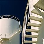 Raffineries, réservoirs de stockage de produits pétroliers à l'huile