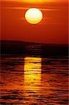 Coucher du soleil et l'océan