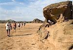 Touristes sur un Safari de désert à pied