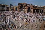 Foules se rassemblent pour une fête musulmane à la Mosquée Jama Masjid, Ahmedabad, Gujarat État, Inde, Asie