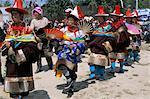 Tibétains habillé pour cérémonie, Province de Tongren, Qinghai, Chine du chaman religieux, Asie