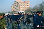 Foules en vélo au travail, Changan Avenue, Beijing, Chine, Asie