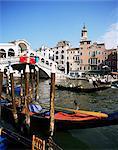 Grand Canal et le pont du Rialto, patrimoine mondial UNESCO, Venise, Vénétie, Italie, Europe