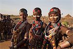 Personnes de la tribu Hamer, les cheveux traités avec l'ocre, de l'eau et de résine et tordue en tresses appelées goscha, basse vallée de l'Omo, Sud, Ethiopie, Ethiopie, Afrique