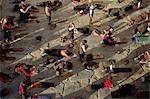 Pèlerins se prosterner, le Temple de Jokhang, Barkhor, Lhassa, Tibet, Chine, Asie