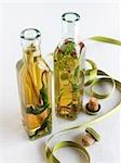 Vinaigres faits maison, infusées, en bouteille