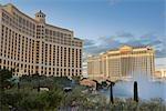 Bellagio Hotel and Casino, Palais de César en arrière-plan, Las Vegas, Nevada, USA