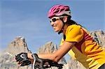 Route Biker riding downhil, Dolomites
