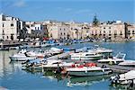 Le port, Trani, Pouilles, Italie, Méditerranée, Europe
