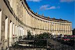 Le Royal Crescent, le Georgian terrace, patrimoine mondial de l'UNESCO, Bath, Avon, Angleterre, Royaume-Uni, Europe