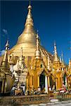 Shwedagon Paya (Shwe Dagon Pagoda), Buddhist temple, golden zedi (stupa) in paya compound, Yangon (Rangoon), Myanmar (Burma), Asia