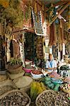 Échoppe, apothicaire à Rahba Kedima, la médina, Marrakech, Maroc, Afrique du Nord, Afrique
