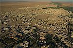 Vue aérienne d'un ballon de la ville oasis de Tozeur, Tunisie, Afrique du Nord, Afrique