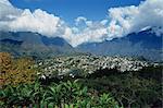 Ville vu de Roche Merveilleuse, Cilaos, la réunion, océan Indien, Afrique