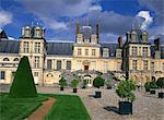 Le château de Fontainebleau, patrimoine mondial UNESCO, Seine-et-Marne en France, Europe